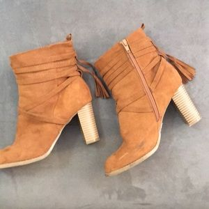 Report High Suede Ankle boots